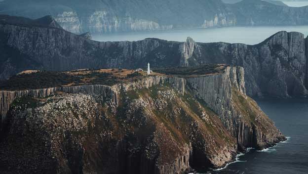 Tasmania-tasman-island-australia-lighthouse-cliffview-crd-Jason-Charles-Hill