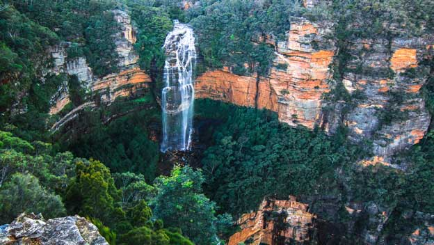 blue-mountains-new-south-wales-waterfall