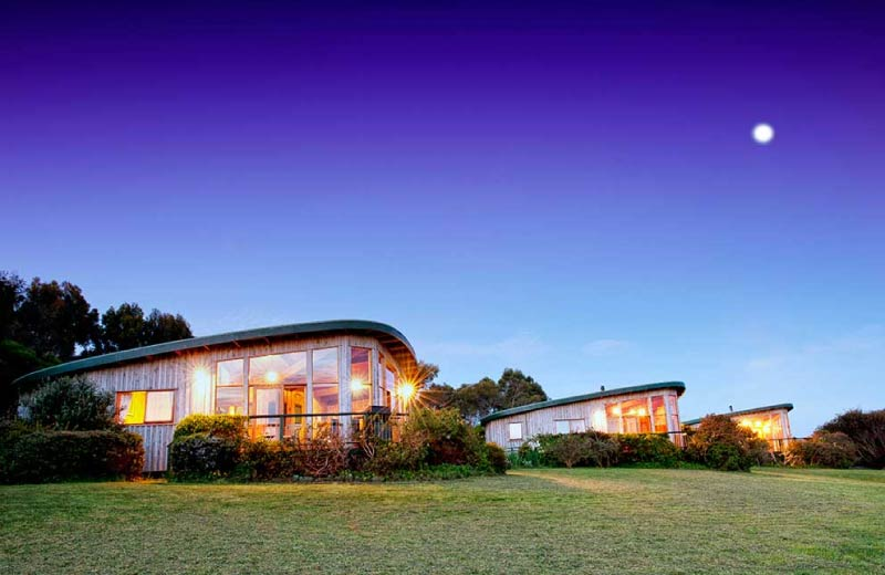 Great-Ocean-Road-Accommodation-The-Boomerangs