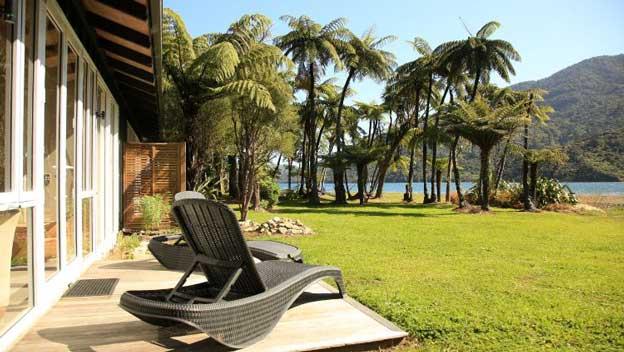 furneaux-lodge-marlborough-new-zealand-suite-water-views
