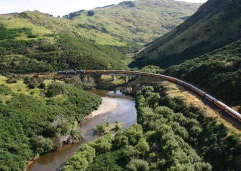 Otago Central Rail Trail Cycling Tour Taieri Gorge Train Christmas Creek