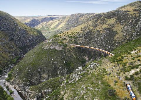 Otago Central Rail Trail Cycling Tour Taieri Gorge Train Flat Steam Bridge