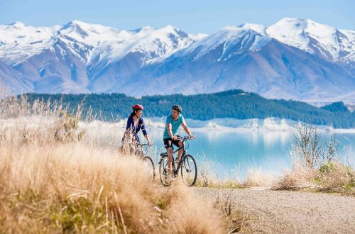 a2o-cycling-luxury-new-zealand-lake-pukaki-cycling