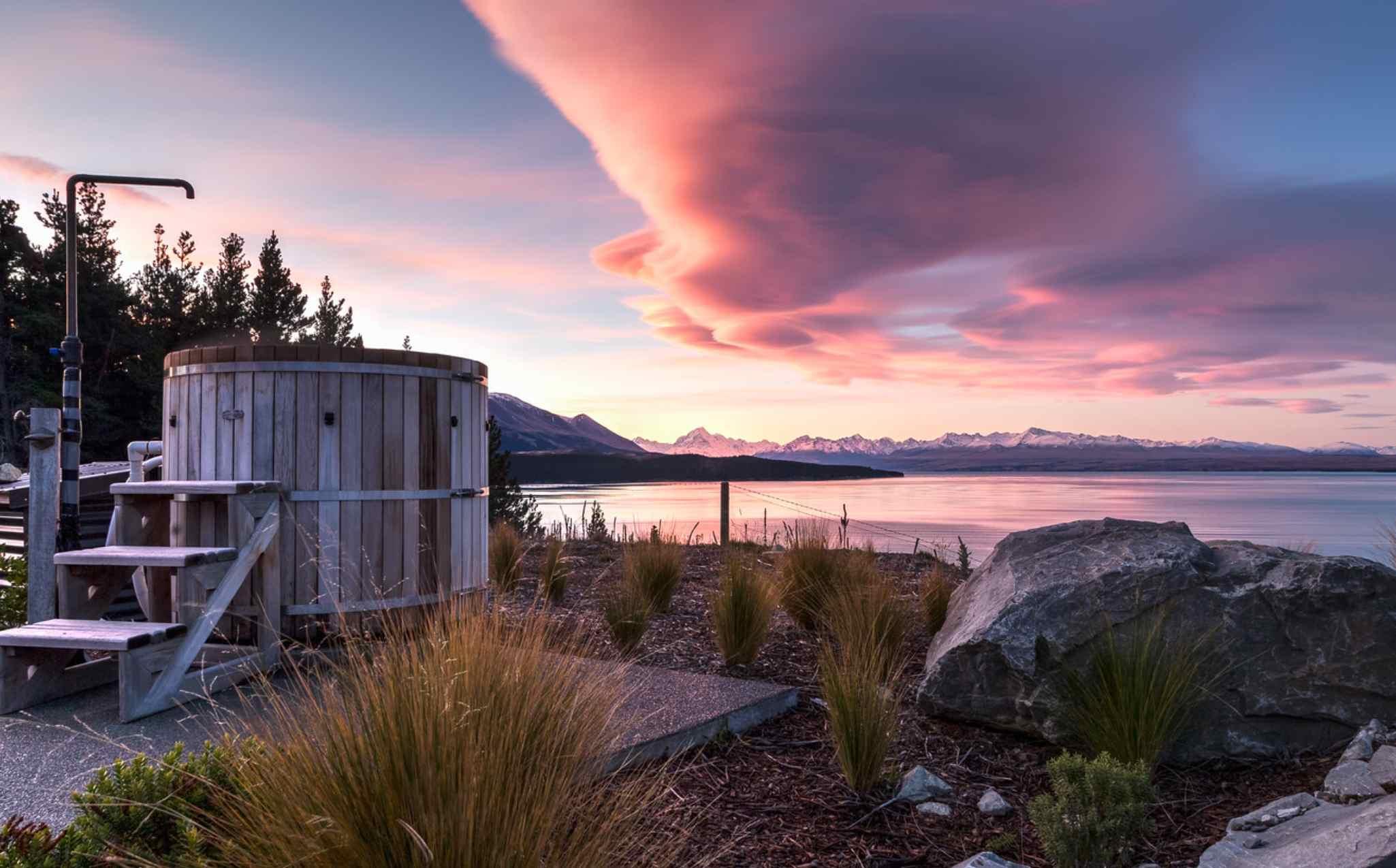 Lake Pukaki Villa Outdoor Spa