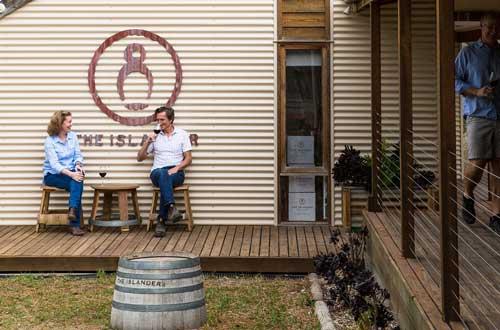 south-australia-kangaroo-island-the-islander-estate-drinks