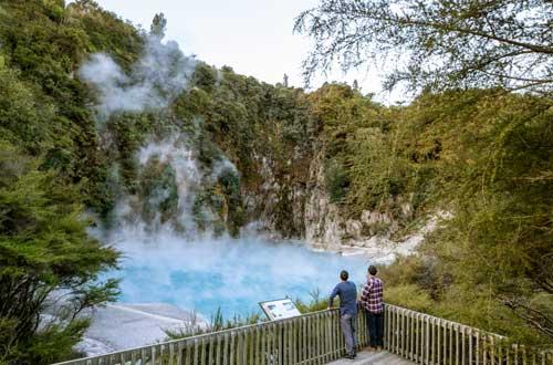 north-island-waimangu-volcanic-valley-new-zealand-geothermal