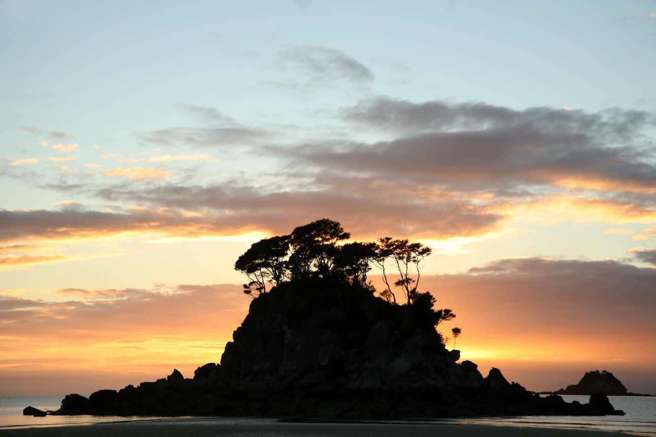 Abel Tasman National Park Walk & Kayak