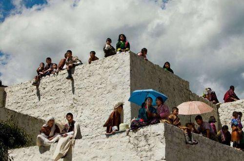 luxury-bhutan-trekking-Thimphu-festival-spectators