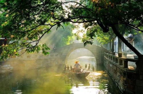 tongli-river-boat-china-walking