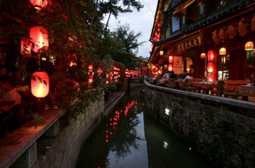 Lijiang-at-night-china