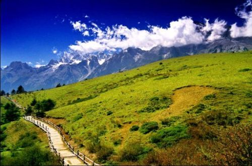 Tiger-leaping-gorge-Yak-Meadow-hiking