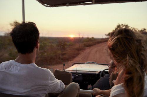 australia-tour-kimberley-coast-cruise-and-walk-bush-4WD