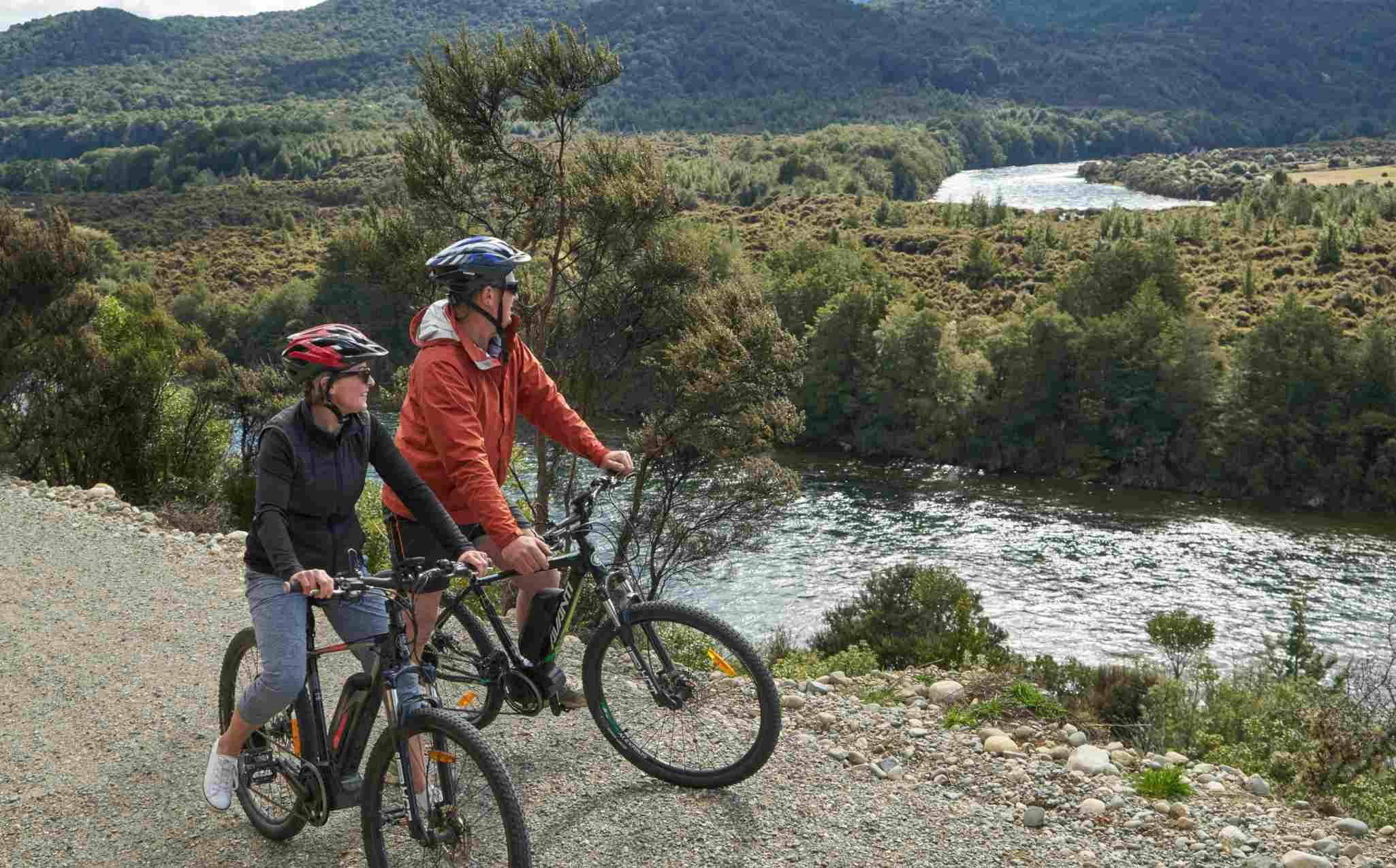 Fiordland Walk Lakeside Cycling