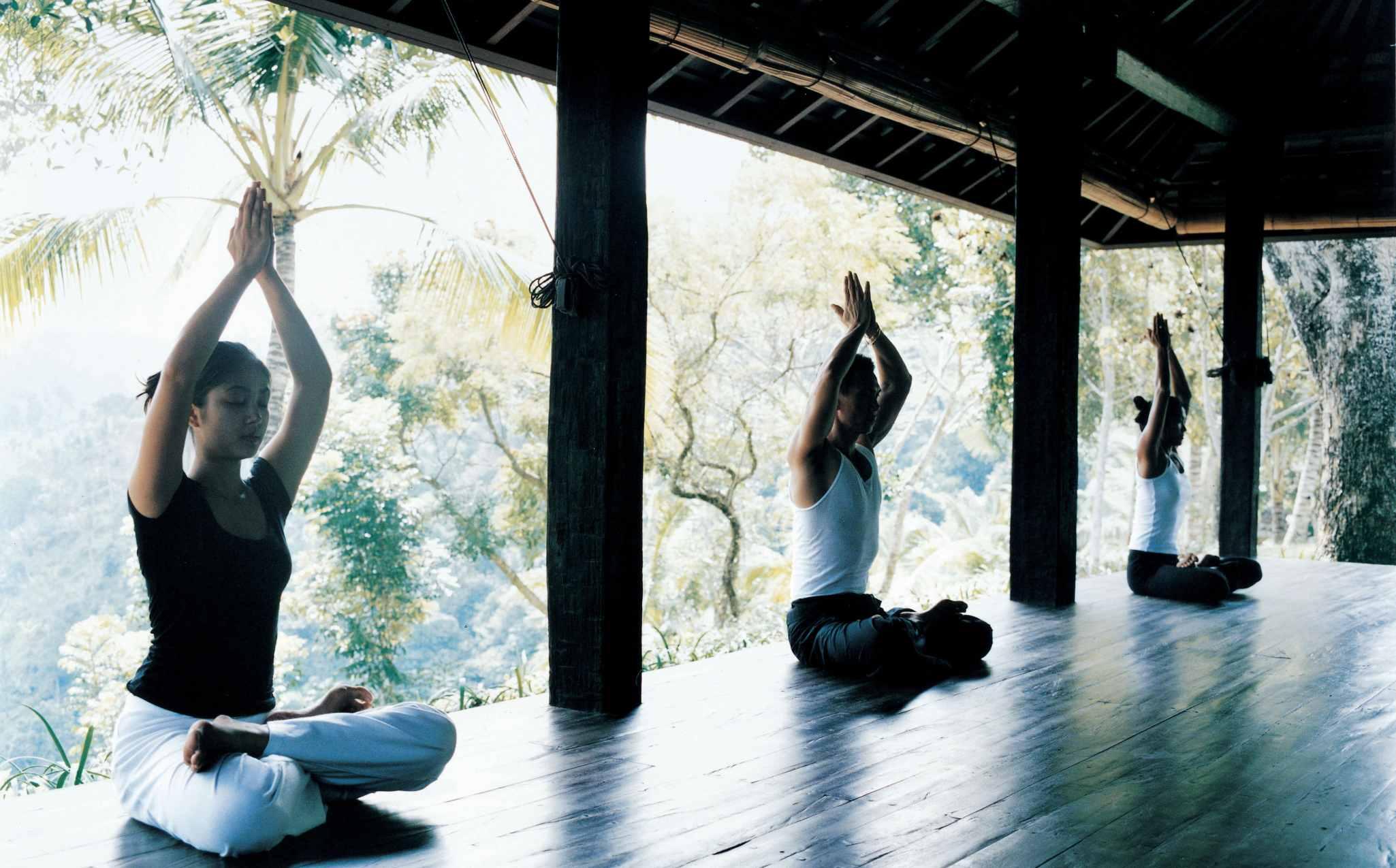 Como Shambhala Estate Group Yoga