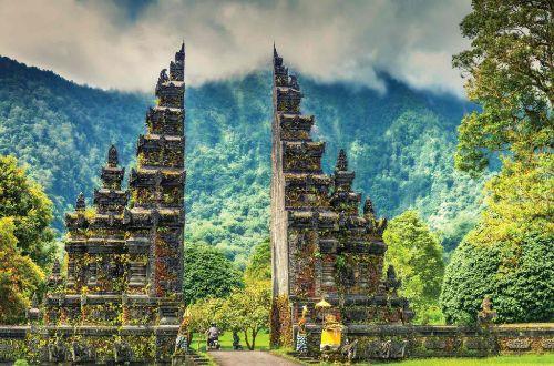 bali-beyond-hiking-Bali-Hindu-temple-ultimate-luxury-onlyluxe