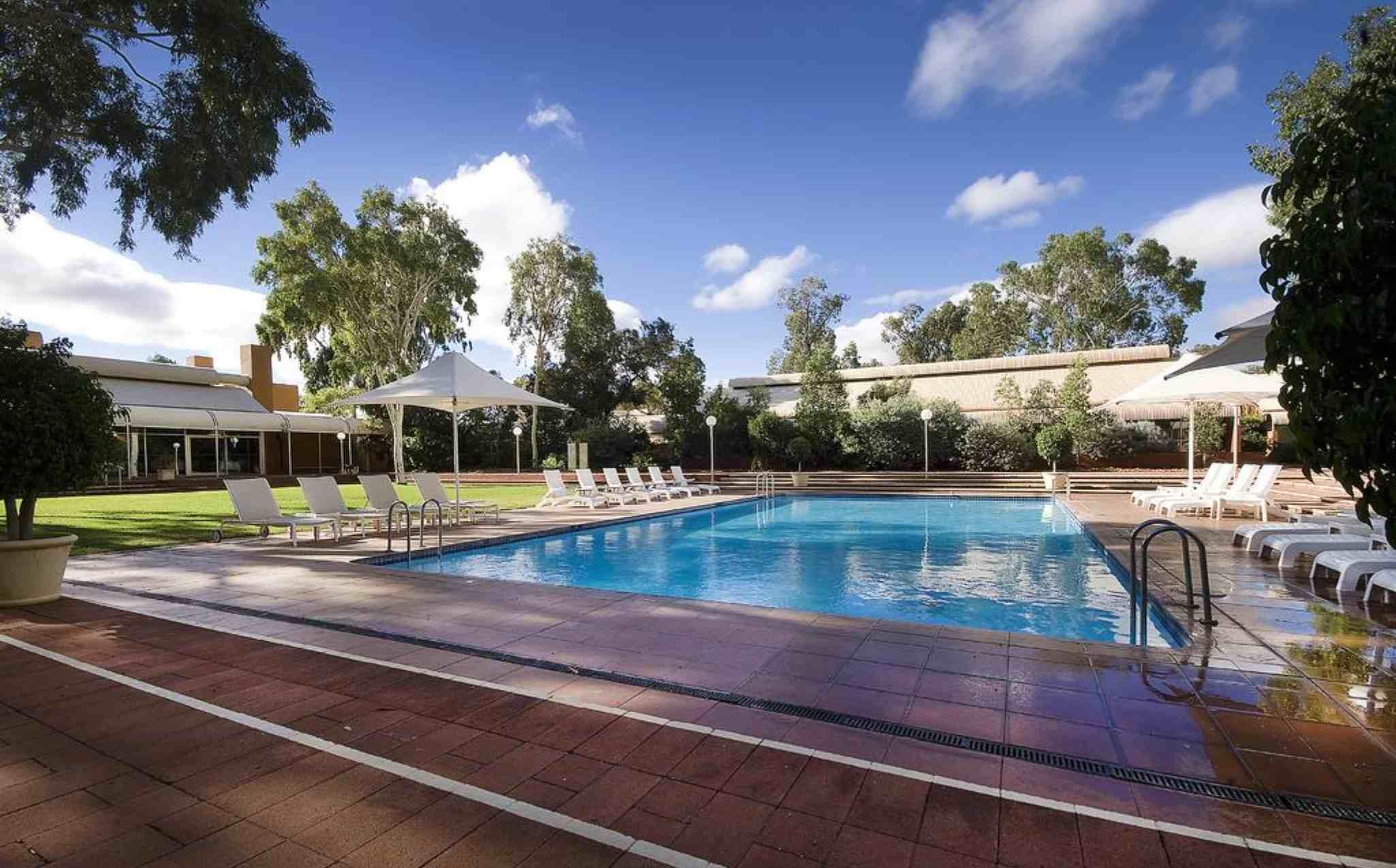 Desert Gardens Hotel Pool