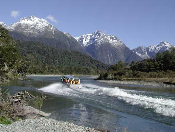 New Zealand Hollyford Rrack Hiking